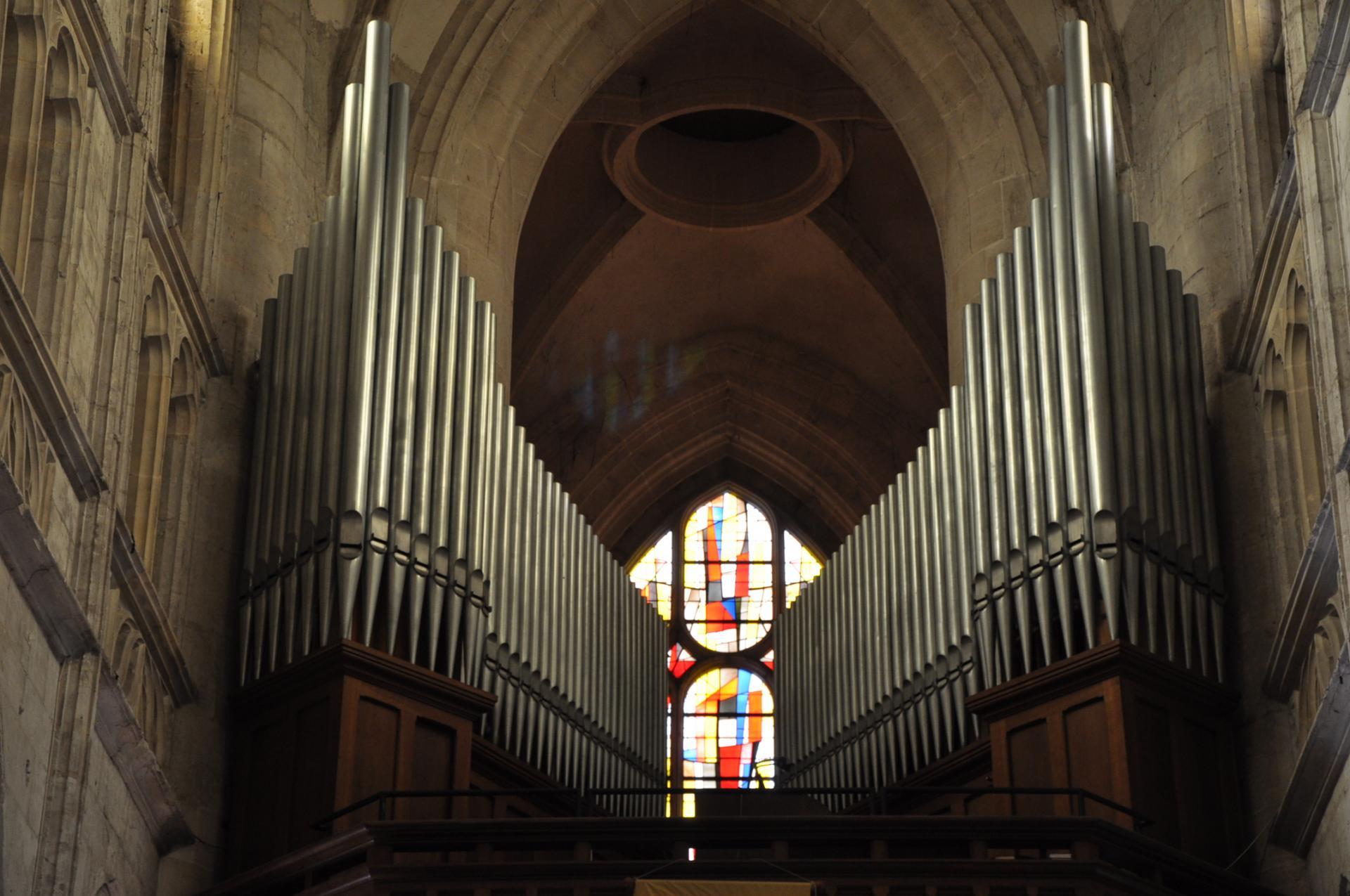 orgue saint michel de pont l 39 v que. Black Bedroom Furniture Sets. Home Design Ideas
